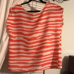 Francesca's Top Size Small. NEVER WORN.